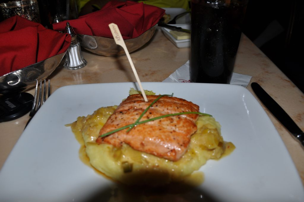 Pan-seared Salmon on Leek Fondue - Restaurant Be Our Guest