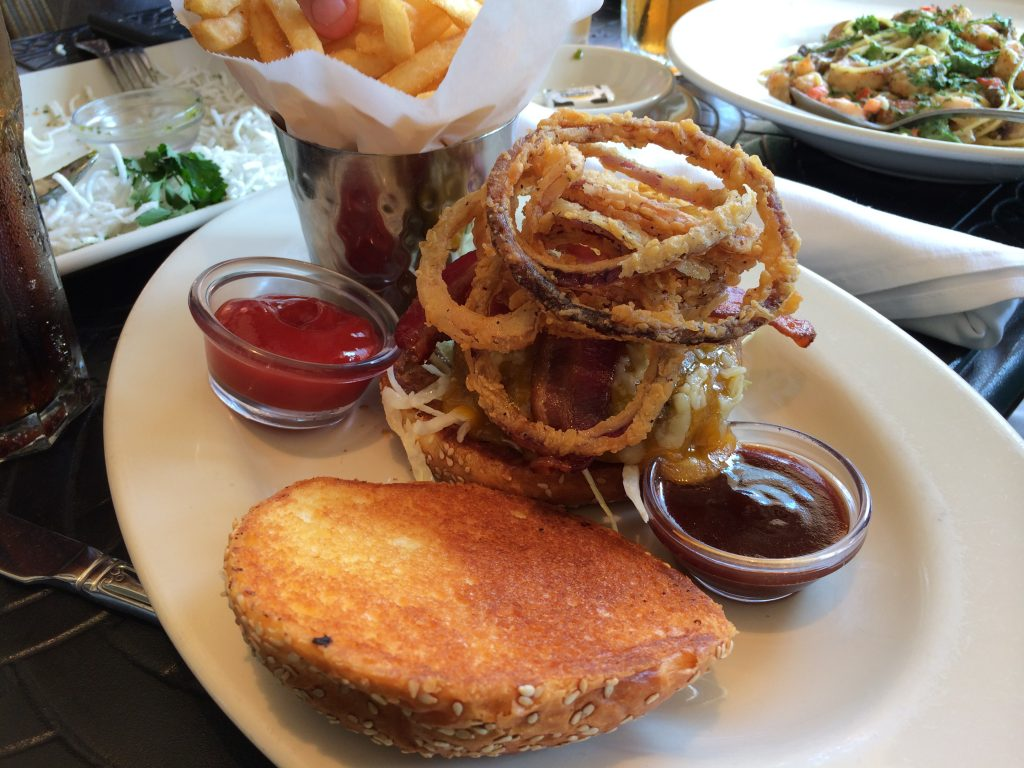 hamburguesa - comer en The Cheesecake Factory